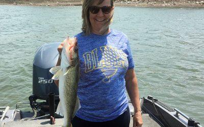 Missouri couple take in some Lake Oahe walleye fishing